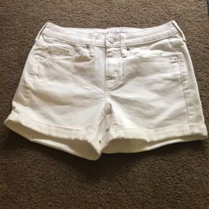 ⭐️MOSSIMO WHITE HIGH WAISTED SHORTS SIZE 0⭐️